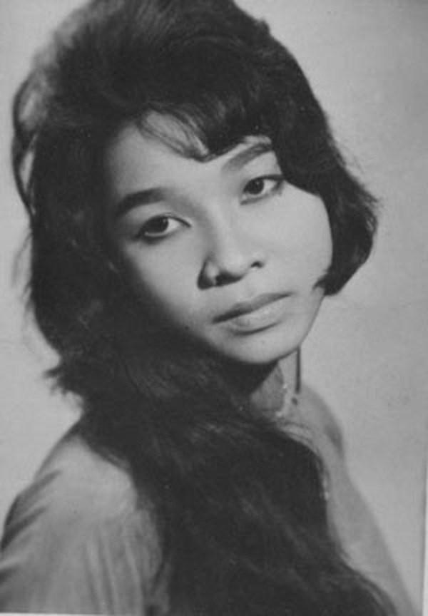 Nghệ sĩ Bạch Tuyết thời trẻ.