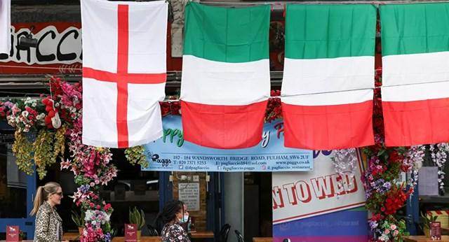Hai đội Anh và Italia đang hồi hộp chờ đến trận Chung kết Euro 2020. Ảnh: Reuters.