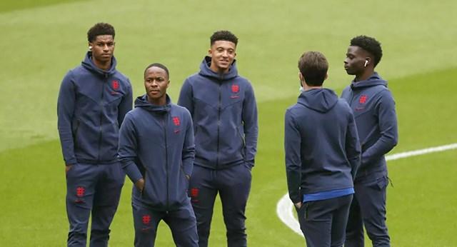 Raheem Sterling, Marcus Rashford, Jadon Sancho, Bukayo Saka và Ben Chilwell trước trận đấu Anh gặp Đức ở vòng 1-8, Euro 2020. Ảnh: Reuters.