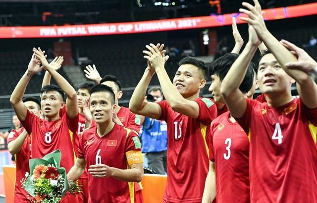 Đội tuyển futsal Việt Nam chính thức giành vé đi tiếp vào vòng 1/8 World Cup 2021.