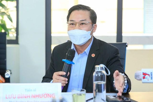 TS Lưu Bình Nhưỡng phát biểu tại Tọa đàm. Ảnh: Quang Vinh.