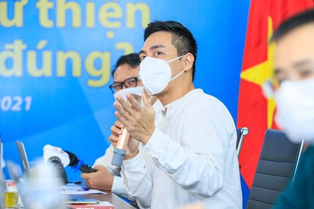 MC Phan Anh phát biểu tại Tọa đàm. Ảnh: Quang Vinh.
