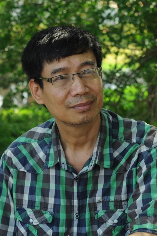 Nhà văn Sương Nguyệt Minh.