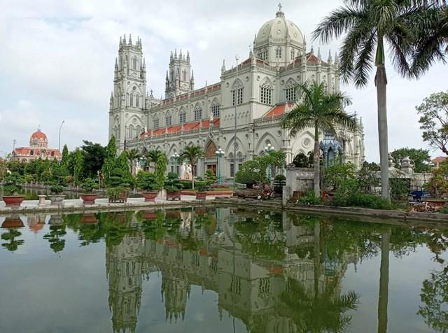 Đền Thánh Kiên Lao (xã Xuân Tiến, huyện Xuân Trường, tỉnh Nam Định).