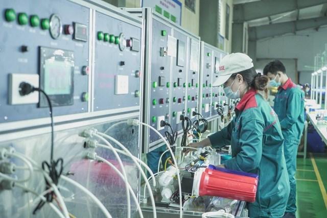 Hoạt động sản xuất tại Công ty Cổ phần Tập đoàn SUNHOUSE, Hà Nội Ảnh: Minh Đức.