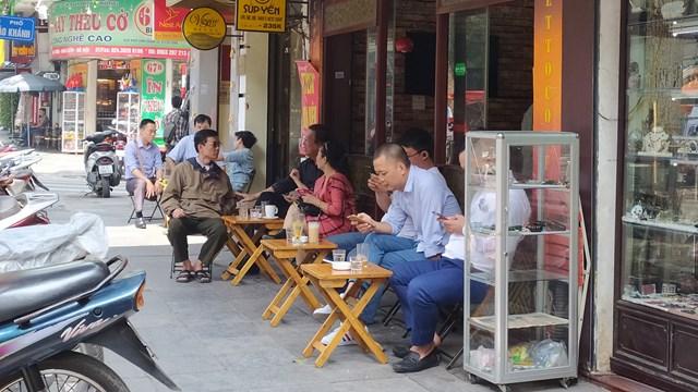 Hà Nội: Từ 6h ngày 14/10, công sở hoạt động bình thường, cafe mở lại