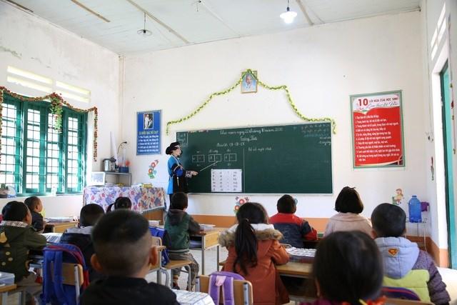 Lớp học của cô giáo Lồ Thị Lan tại trường Tiểu học Dìn Chin, huyện Mường Khương, tỉnh Lào Cai.