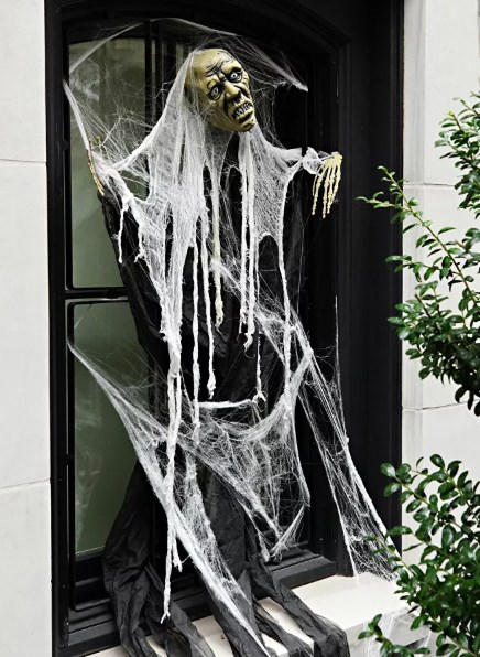 [ẢNH] Vợ chồng Tổng thống Trump mở tiệc Halloween tại Nhà Trắng - Ảnh 4