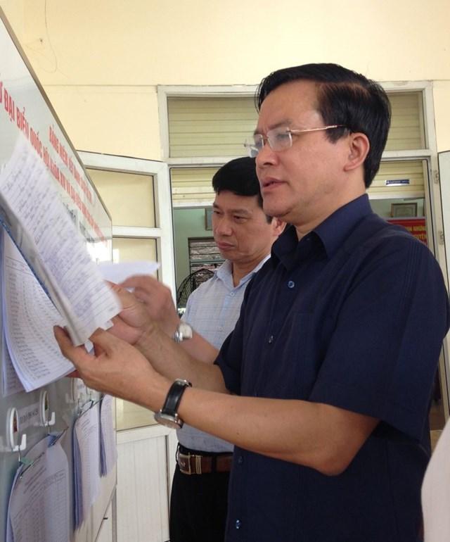 Ông Nguyễn Văn Pha khi là Phó Chủ tịch Ủy ban Trung ương MTTQ Việt Nam đi kiểm tra công tác bầu cử tại khu 7, phường Quang Trung, TP Uông Bí, Quảng Ninh.