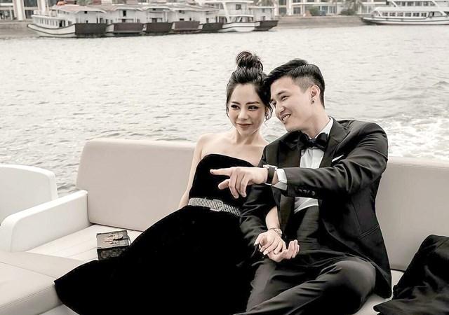 Diễn viên Huỳnh Anh khoe bạn gái mới là MC Bạch Lan Phương: 'Mọi người đã biết nên tôi cũng không giấu nữa. Cô ấy vừa là bạn gái vừa là thư kí riêng của mình', nam diễn viên nói.