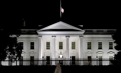Bên ngoài Nhà Trắng Mỹ. Ảnh: AFP.