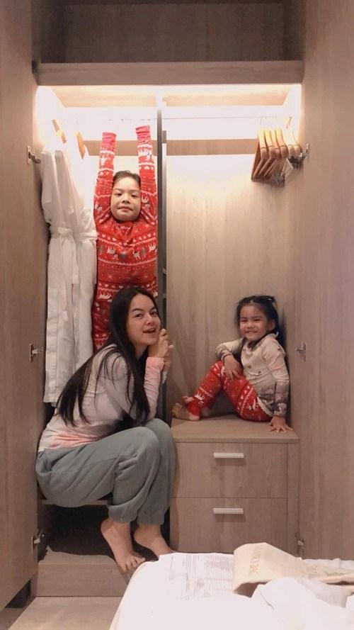 Ca sĩ Phạm Quỳnh Anh hạnh phúc bình yên bên hai con.