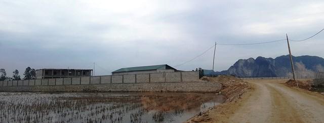 Công ty Bắc Nam san lấp và xây dựng trạm sản xuất bê tông khi chưa được các cơ quan chức năng cấp phép.