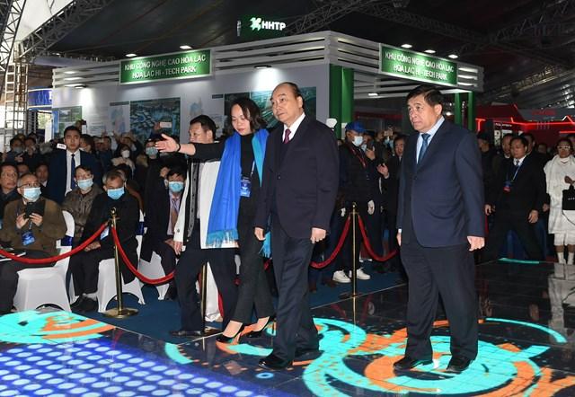 Thủ tướng Chính phủ Nguyễn Xuân Phúc tới dự sự kiện. Ảnh: VGP/Quang Hiếu.