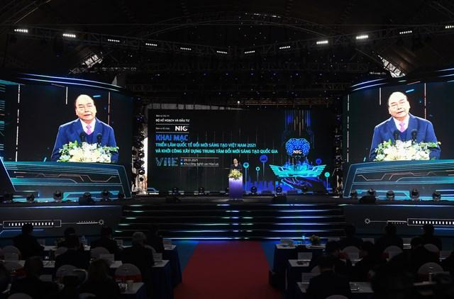 Thủ tướng Nguyễn Xuân Phúc phát biểu tại sự kiện. Ảnh: VGP/Quang Hiếu.