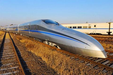 Trung Quốc chạy thử tàu hỏa siêu tốc 620km/h - Ảnh 1