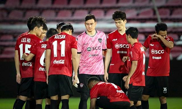 Cầu thủ Đặng Văn Lâm đang có mâu thuẫn với CLB Muangthong.