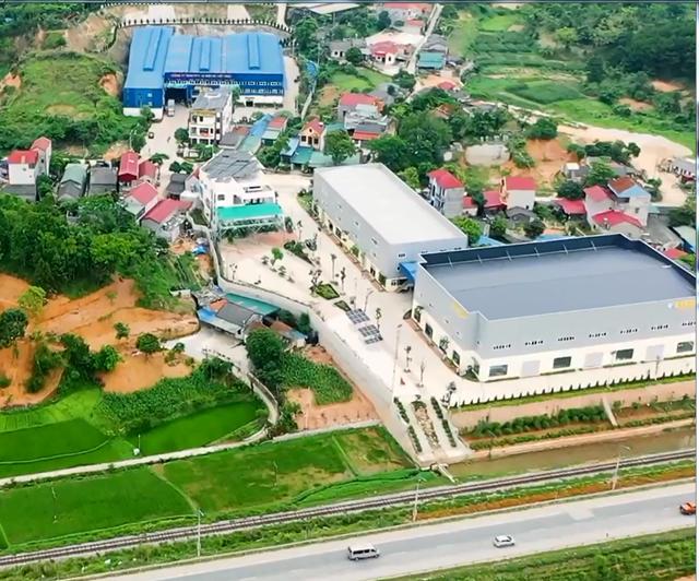Toàn cảnh hai khu nhà xưởng không phép và sai phép của Công ty DK Việt Nhật tại xã Hoàng Đồng, TP Lạng Sơn.
