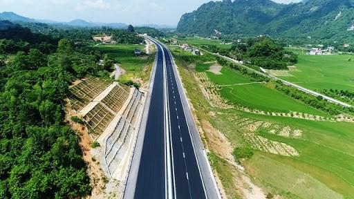 Một đoạn đường bộ cao tốc trên tuyến Bắc - Nam phía Đông.