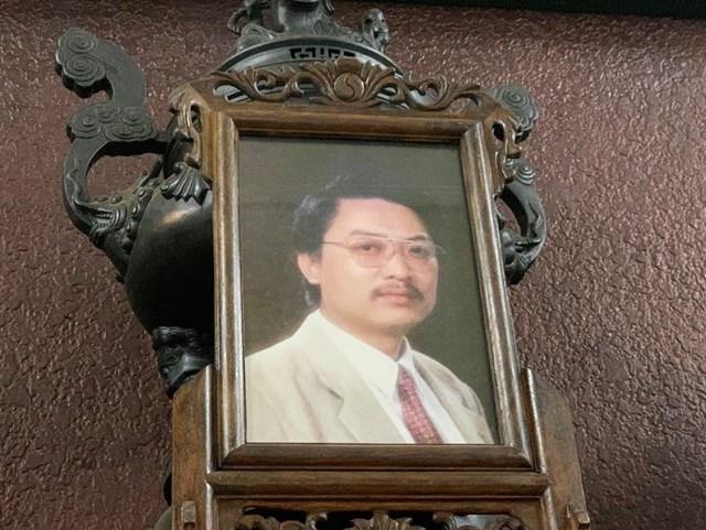 Di ảnh nghệ sĩ Văn Thành. Ông qua đời ở tuổi 59, sau thời gian dài chống chọi bệnh gout, vào 17h38 ngày 28/2. Ảnh: Hoàng Huế / Vnexpress.