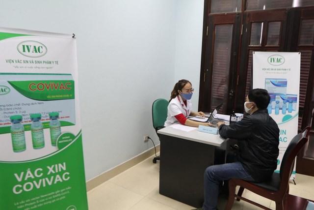 Tình nguyện viên đăng ký tiêm thử nghiệm vaccine COVIVAC.