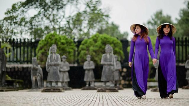 Di tích cố đô Huế miễn phí tham quan với khách mặc áo dài truyền thống - Ảnh 1