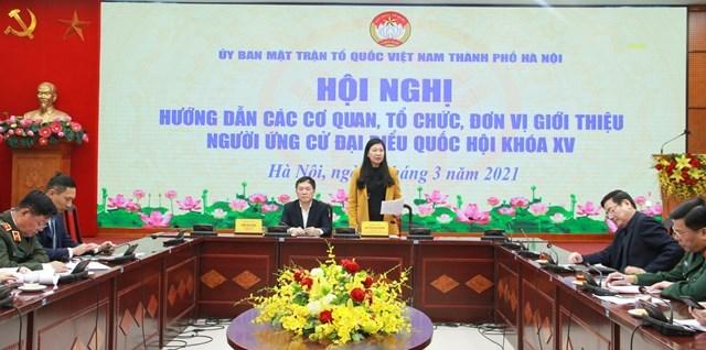 Bà Nguyễn Lan Hương, Chủ tịch Ủy ban MTTQ thành phố Hà Nội phát biểu tại hội nghị.