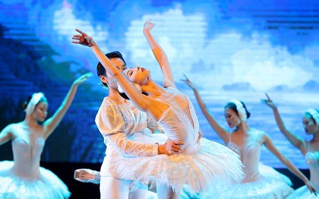 Để có được một diễn viên múa phải đào tạo rất công phu.
