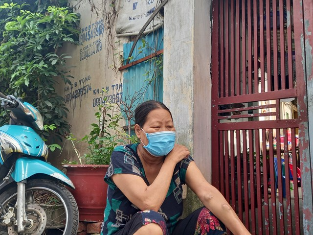 Giành giật sự sống với bệnh tật, cô Lương Thị Huyền đã hơn 1 năm không thể về thăm nhà.