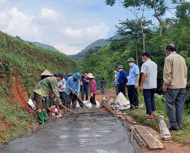 Nỗ lực xây dựng nông thôn mới ở huyện miền núi