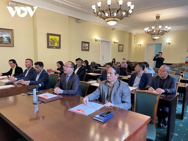"""Buổi họp tổng kết dự án """"Đồng lòng Việt Nam"""" hôm 30/8 tại trụ sở Đại sứ quán Việt Nam tại Liên bang Nga. Nguồn: VOV."""