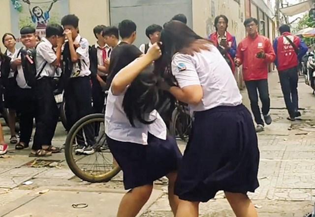 Bạo lực học đường bao giờ chấm dứt?