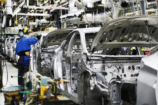 Công nghiệp ô tô và nỗi buồn 'nội địa hoá'