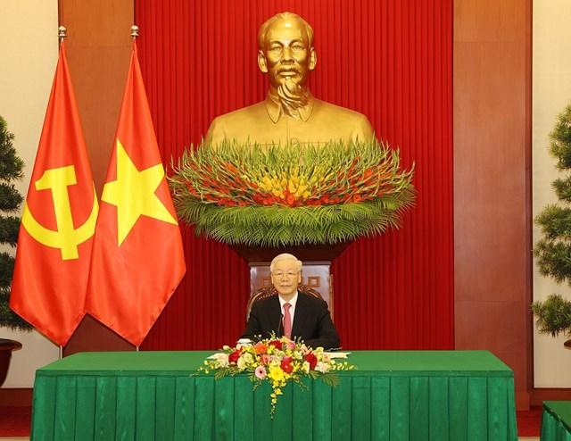 Tại Trụ sở Trung ương Đảng, Tổng Bí thư Nguyễn Phú Trọng điện đàm với Tổng Bí thư, Chủ tịch nước Trung Quốc Tập Cận Bình.