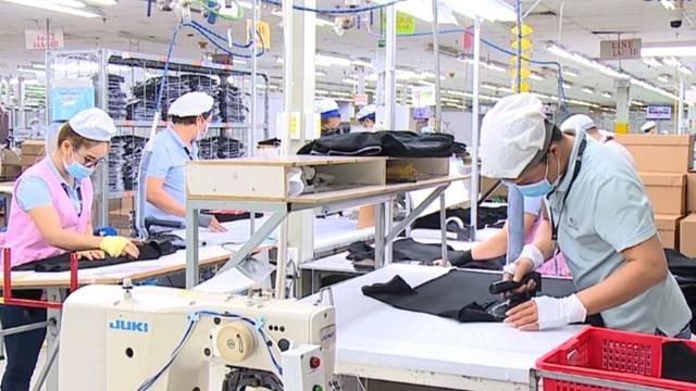 Doanh nghiệp các địa phương vùng kinh tế trọng điểm phía Nam đang khôi phục đà sản xuất sau thời gian ngưng trệ để phòng, chống dịch.