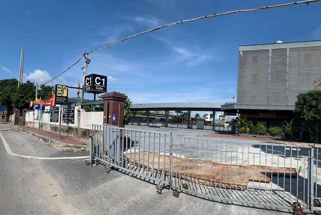 Bến xe Nước Ngầm vẫn chưa có dấu hiệu hoạt động trở lại.