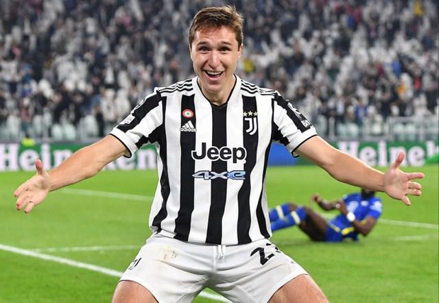 Chiesa ghi bàn giúp Juventus thắng Chelsea 1-0 ở vòng bảng Champions League mùa này. Ảnh: EPA.