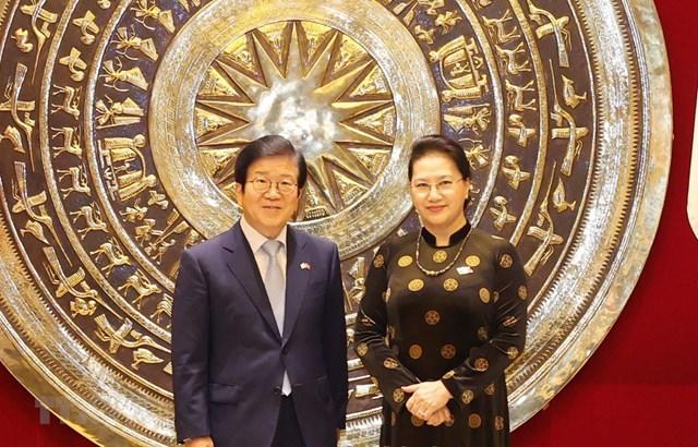 Chủ tịch Quốc hội Nguyễn Thị Kim Ngân và Chủ tịch Quốc hội Hàn Quốc Park Byeong-Seug. (Ảnh: Trọng Đức/TTXVN)