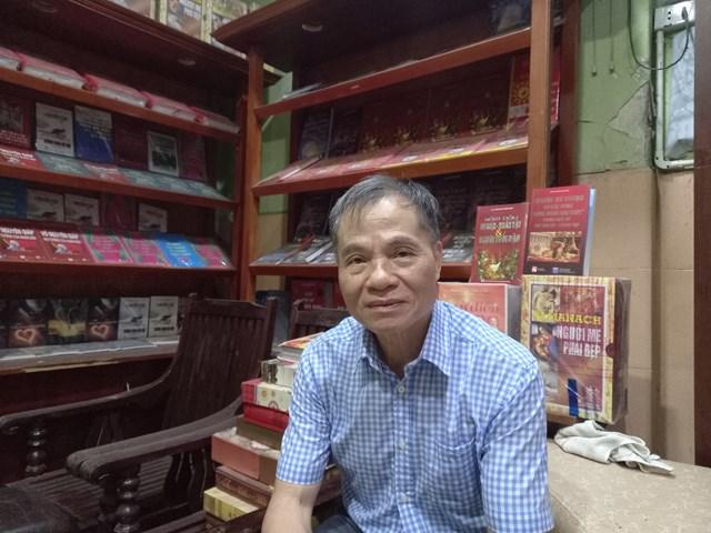 Tiến sĩ Nguyễn Hoàng Điệp, Giám đốc Trung tâm dịch thuật, dịch vụ văn hoá và khoa học công nghệ.