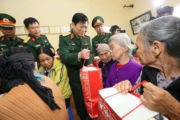 Đại tướng Ngô Xuân Lịch dự Ngày hội Đại đoàn kết toàn dân tộc tại tỉnh Hà Nam - Ảnh 1