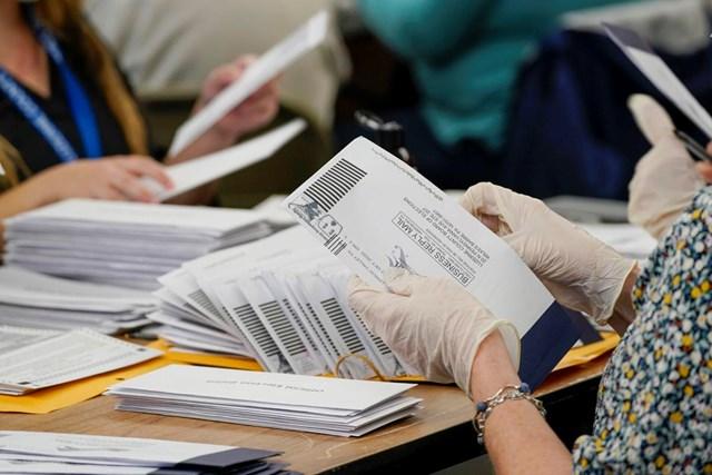 Quá trình kiểm phiếu tại bang Pennsylvania.
