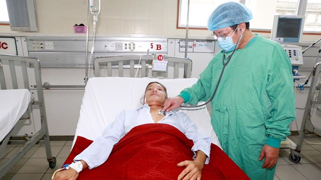 Một trường hợp mắc bệnh Whitmore nặng đang điều trị tại Khoa Hồi sức cấp cứu Bệnh viện Trung ương Huế.