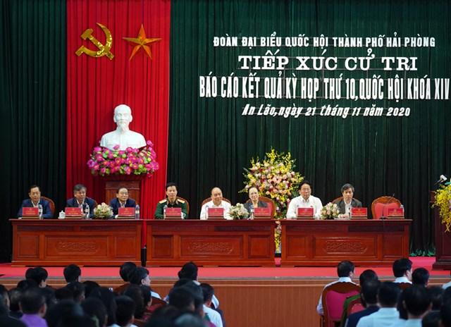 Thủ tướng Nguyễn Xuân Phúc cảm ơn cử tri đã đánh giá cao, tin tưởng về tình hình phát triển đất nước thời gian qua.Ảnh: VGP/Quang Hiếu.