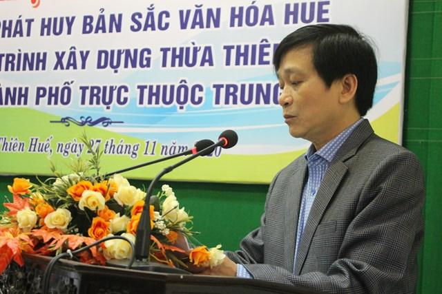 Phó Chủ tịch thường trực Ủy ban MTTQ Việt Nam tỉnh Thừa Thiên - Huế Nguyễn Hữu Lạc trình bày đề dẫn.