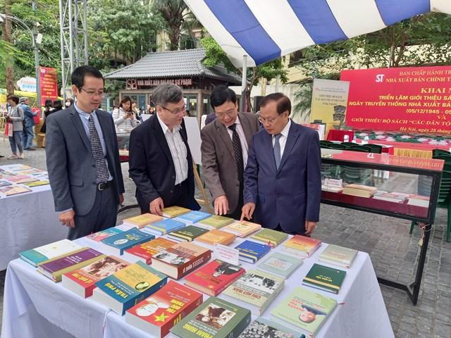 NXB Chính trị quốc gia Sự thật triển lãm sách - Ảnh 1