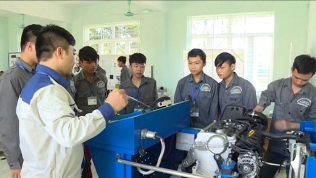 Việc đào tạo lực lượng lao động theo hướng có năng lực thực sự cần được chú trọng.