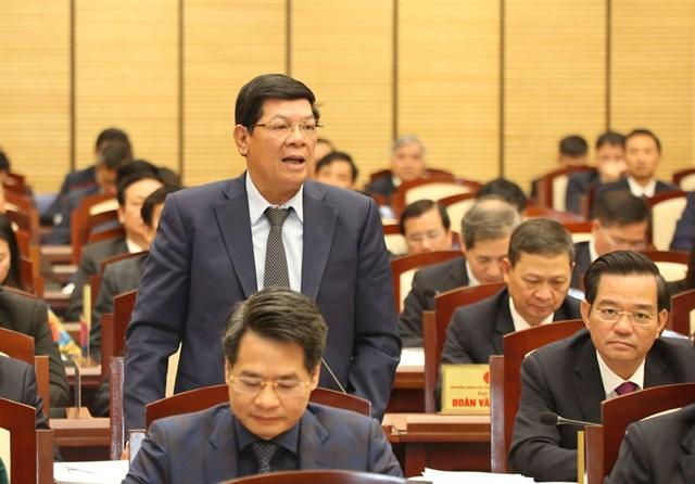 Phó Chủ tịch UBND thành phố Nguyễn Quốc Hùng tiếp thu, giải trình một số vấn đề về quản lý khai thác cát sỏi.