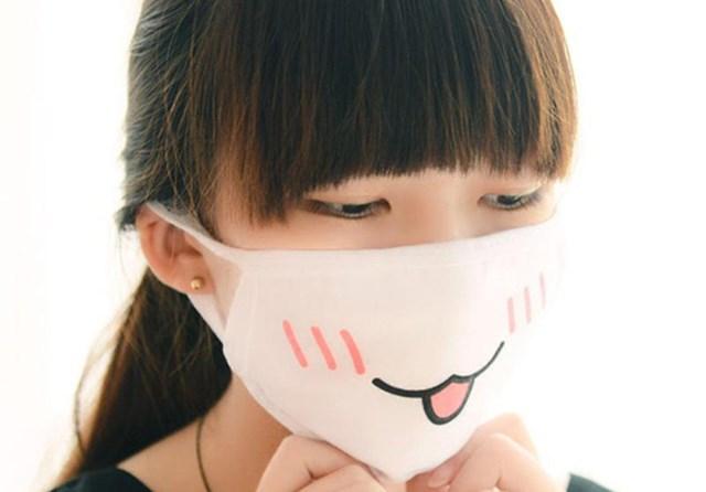 Khẩu trang là vật dụng thường xuyên tiếp xúc với da mặt cần giữ vệ sinh.