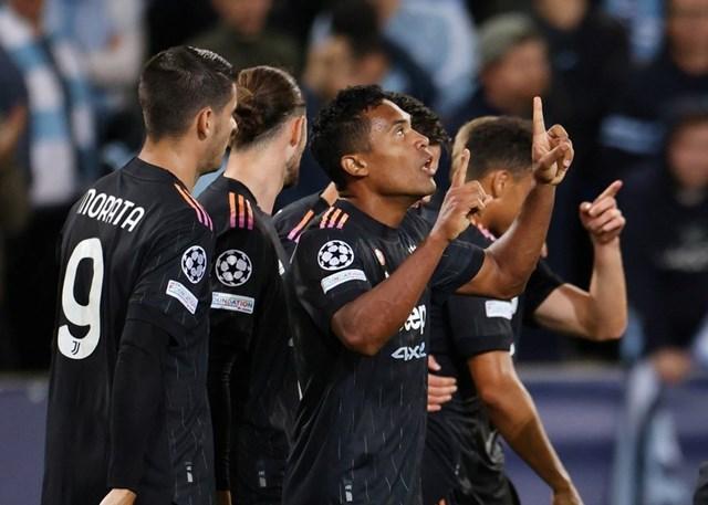 : Alex Sandro có bàn thắng đầu tiên sau 6 năm khoác áo Juventus.