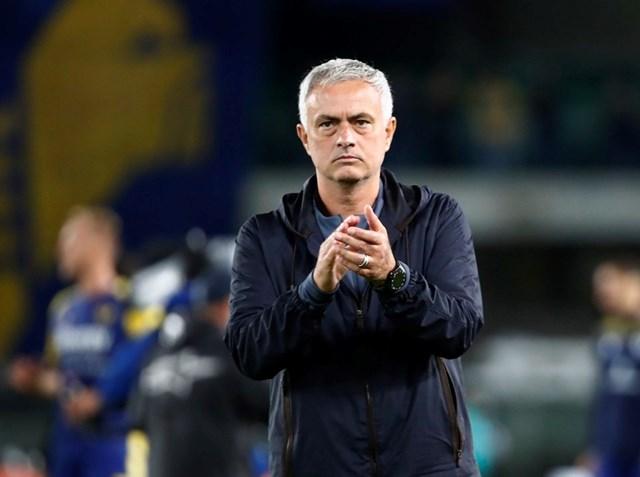 HLV Mourinho nhận thất bại đầu tiên từ khi dẫn dắt AS Roma.